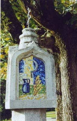 Mosaik in gotischem Bildstöckl